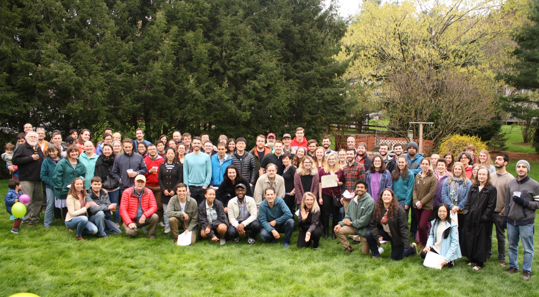 Group photo of department members from Geosciences Spring Picnic 2019