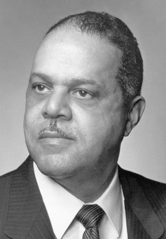"""Black-and-white portrait of William """"Bill"""" Bromery, former chancellor of U-Mass Amherst and geoscientist"""